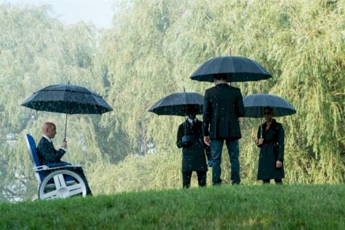 Em nova foto Dumbledore, encara o espelho de Ojesed